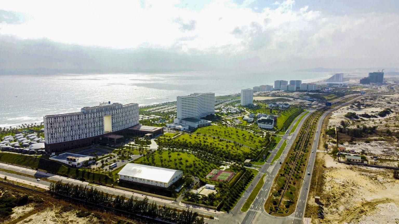 Khu du lịch bắc bán đảo Cam Ranh (Bãi Dài) được định hướng phát triển là đô thị du lịch.